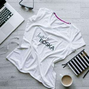 """Koszulka """" Jestem Boska"""" – czyli koszulka z przesłaniem."""